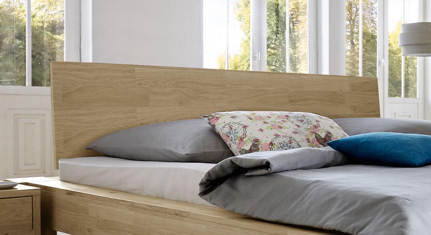 Bett Nino mit schrägem Holzkopfteil