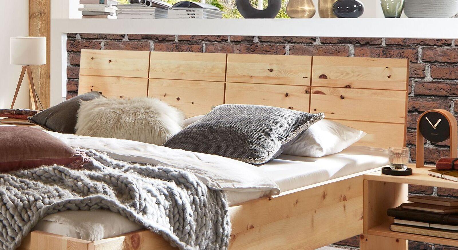Bett Nudo mit Kassetten-Kopfteil