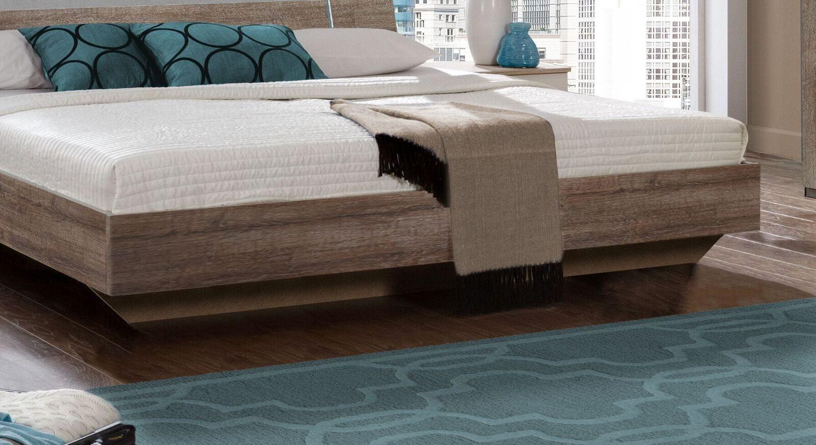 Bett Ovatio mit geradlinigem Design
