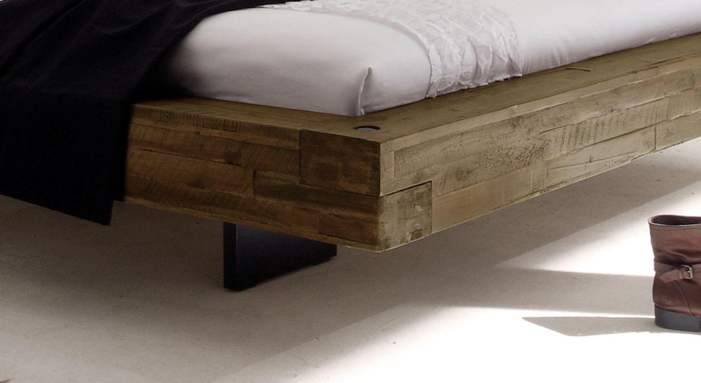 Doppelbett schwebend aus Akazie gefertigt - Penco