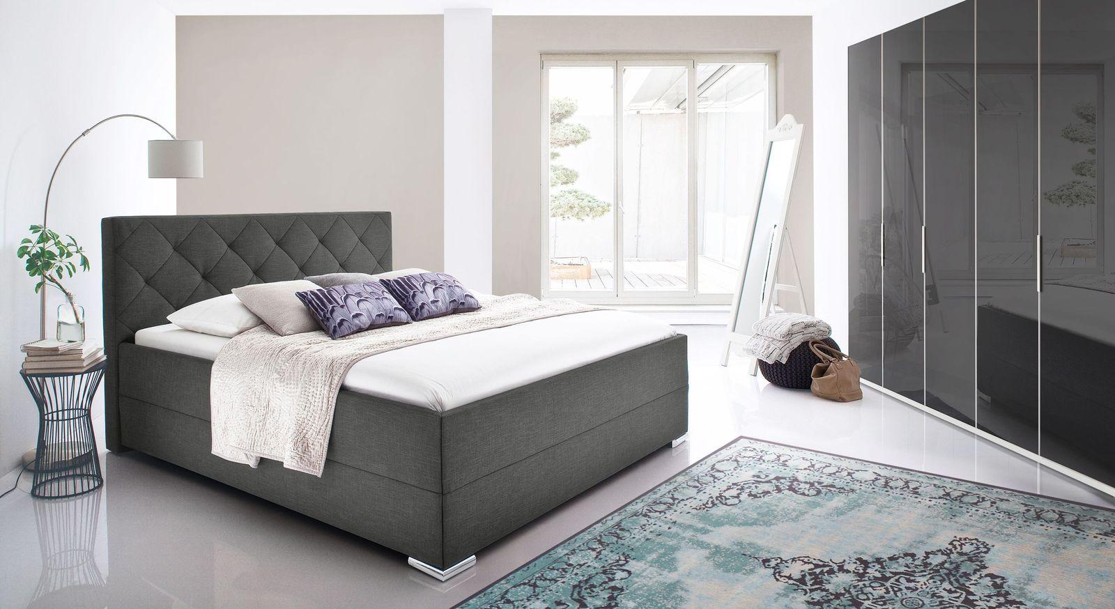 Bett Perryville mit moderner Schlafzimmer-Einrichtung
