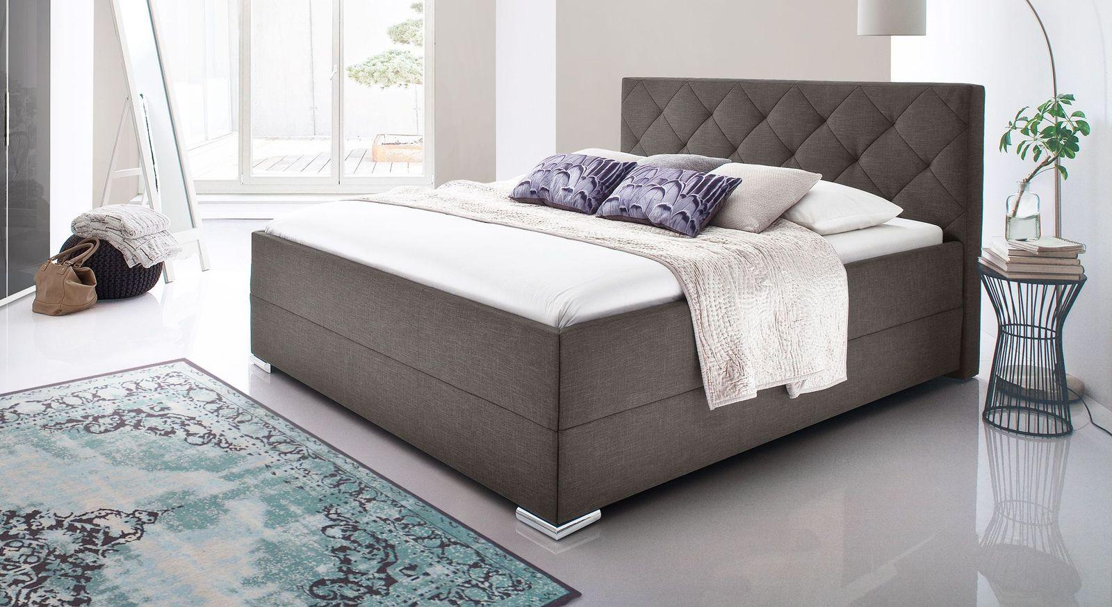 Braunes Bett Perryville aus pflegeleichtem Webstoff