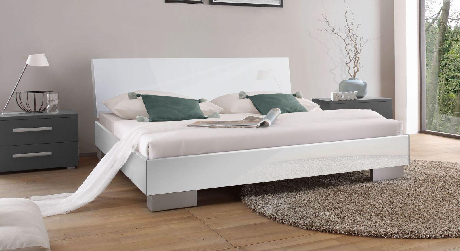 Bett Piceno mit pflegeleichter Oberfläche