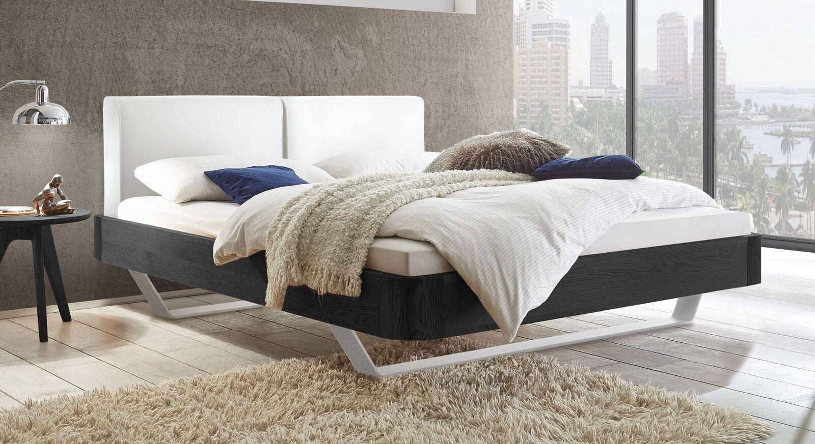 Bett Poncas aus graphitfarbenem Eichenholz