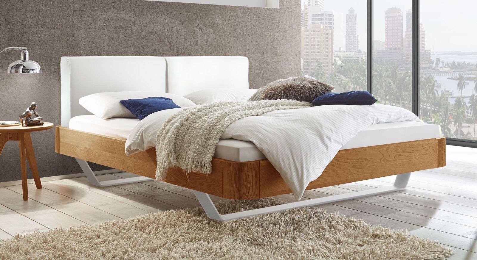 Stabiles Bett Poncas aus Eichenholz