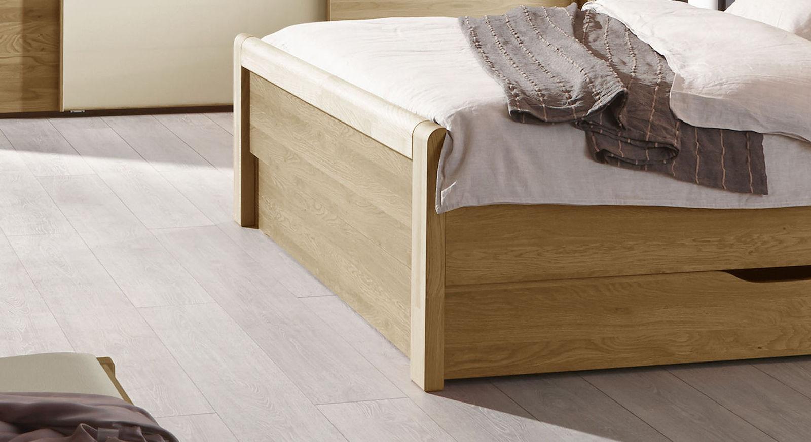 schubkastenbett teilmassive eiche mit kunstleder kopfteil praia. Black Bedroom Furniture Sets. Home Design Ideas