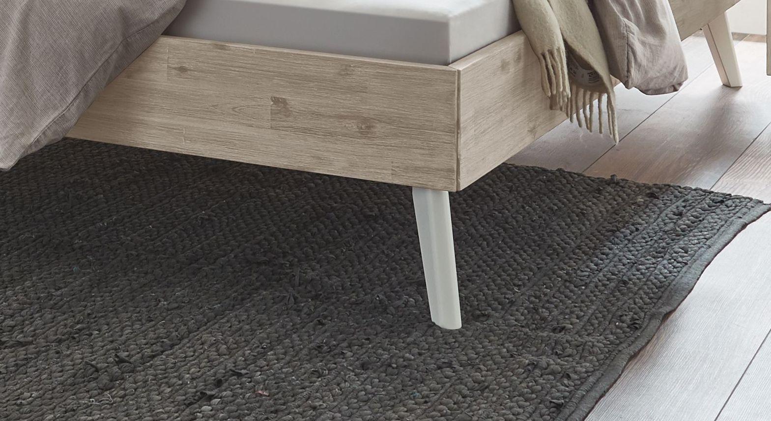 Bett Ranua mit weißen Massivholz-Füßen