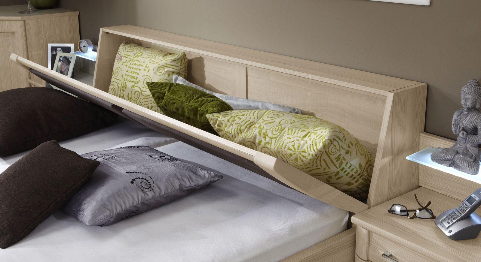 Betten Rapino mit geneigtem Stauraum-Kopfteil