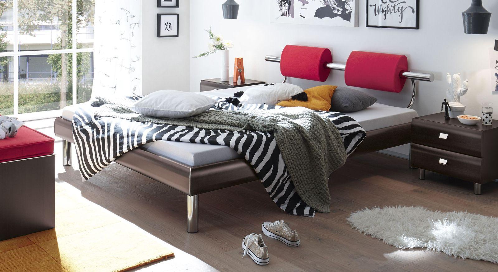 Bett Rocio mit ferrarafarbener Oberfläche