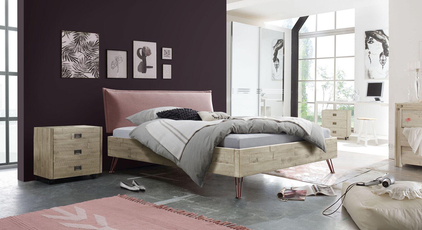 Modernes Bett Rosalba mit passenden Produkten