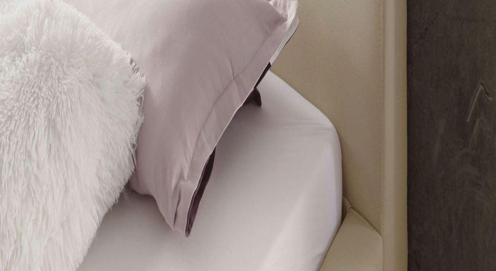 Bett Sesimbra mit gebogenen Kopfteil