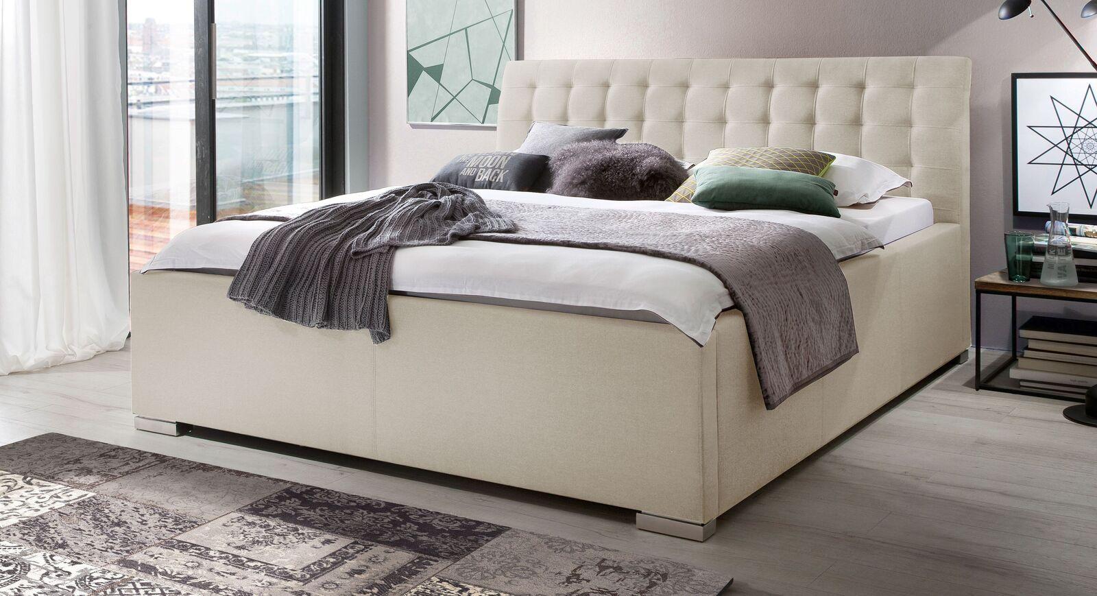Bett Setiara mit beigem Stoffbezug