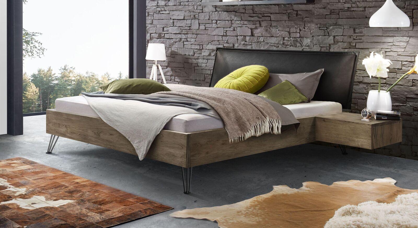 Bett Silandro in stilvollem Materialmix