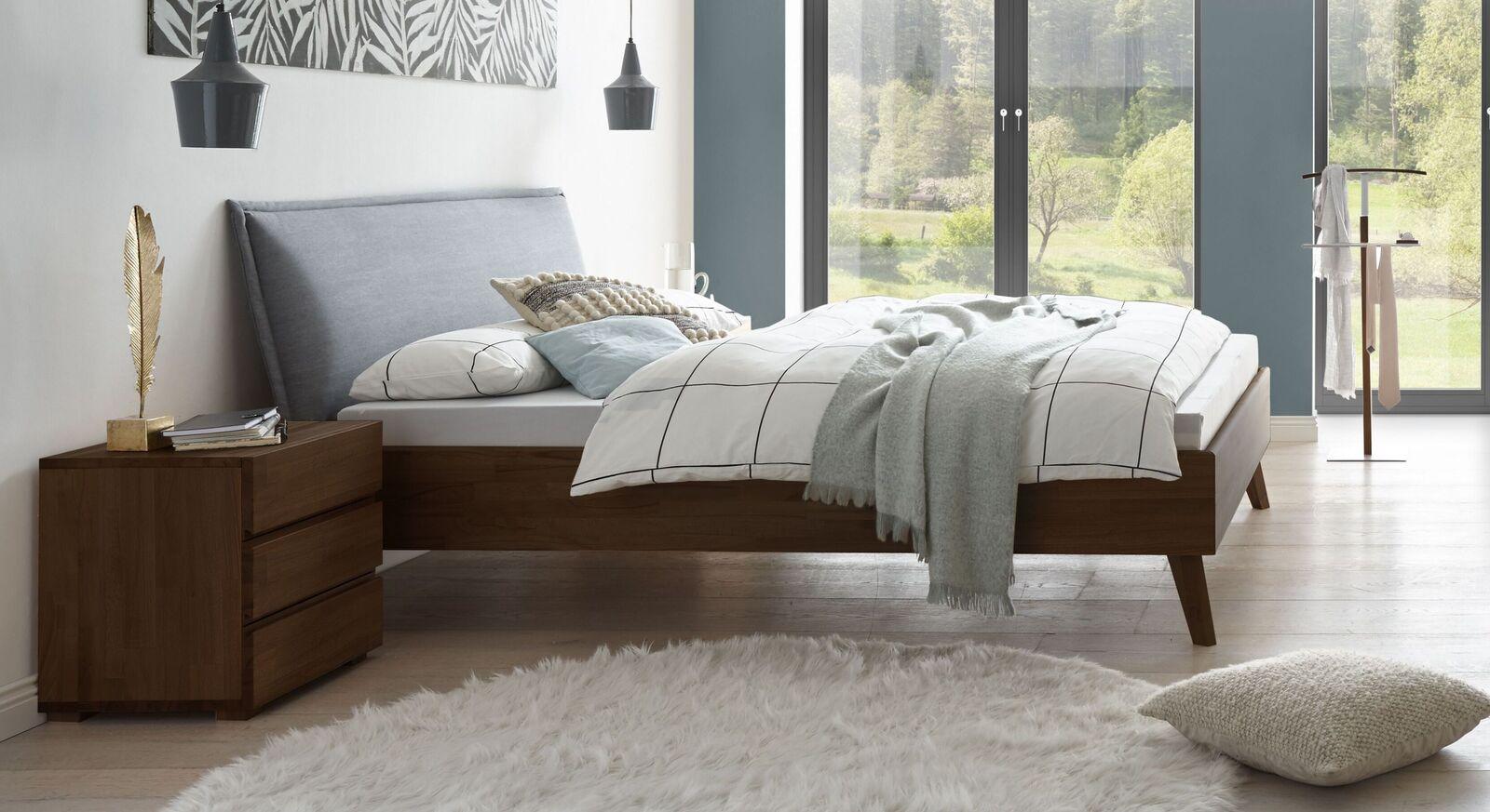 Wengefarbenes Bett Soprenia inklusive Kopfteil