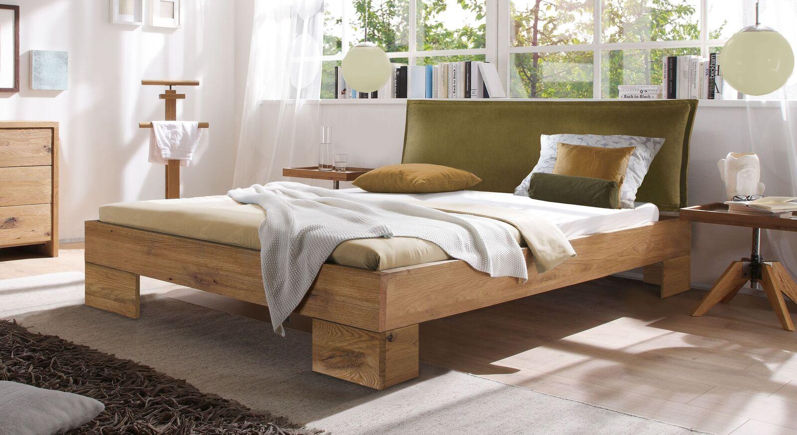 Bett Staffan aus Wildeiche natur