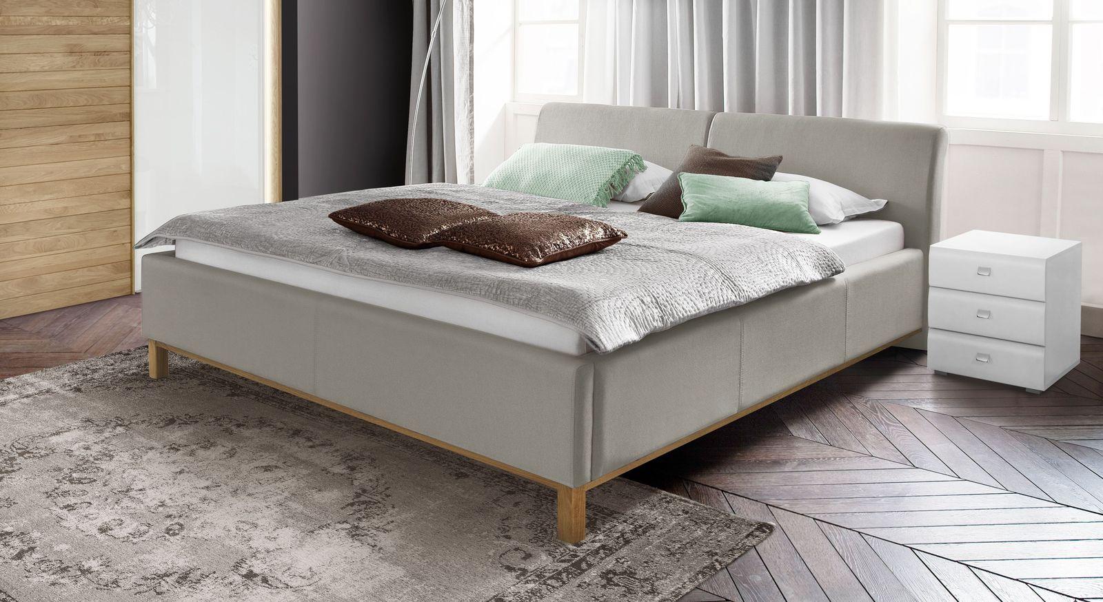 Bett Sulivan mit stabilen Eichenfüßen