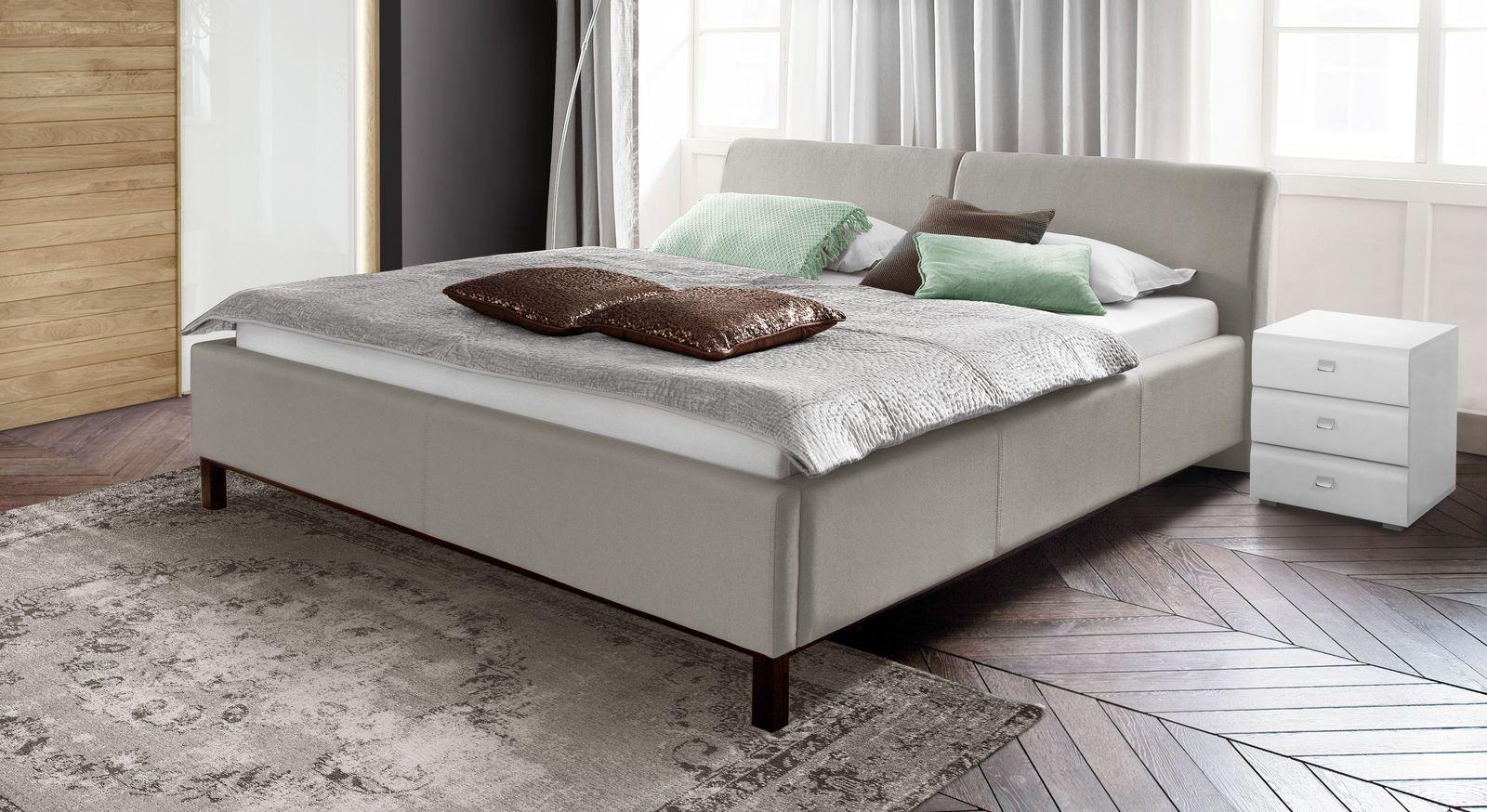Bett Sulivan aus pflegeleichtem Bezugsstoff