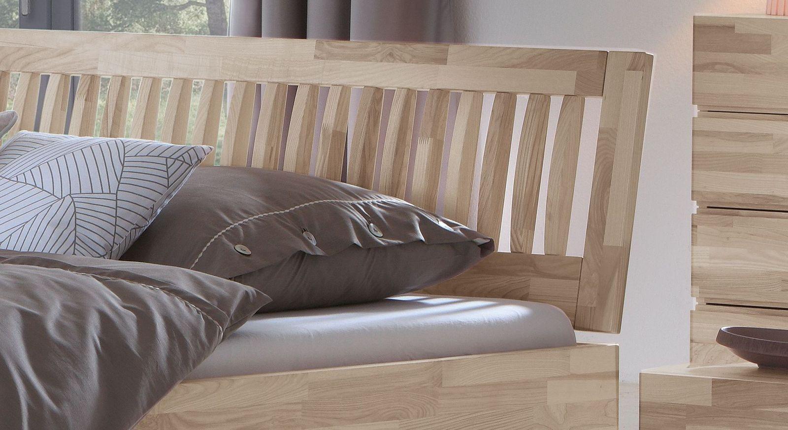 Bett Sunrise mit geneigtem Sprossen-Kopfteil
