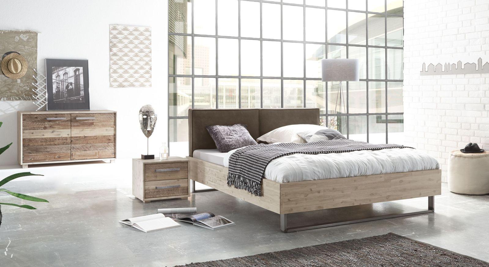 Bett Tampere mit passenden Akazie-Schlafzimmermöbeln