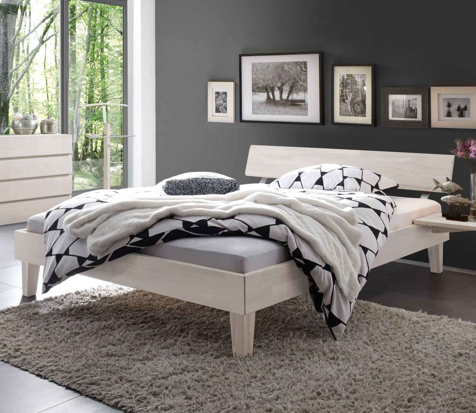 massivholzbett teramo in buche mit wei em kopfteil. Black Bedroom Furniture Sets. Home Design Ideas