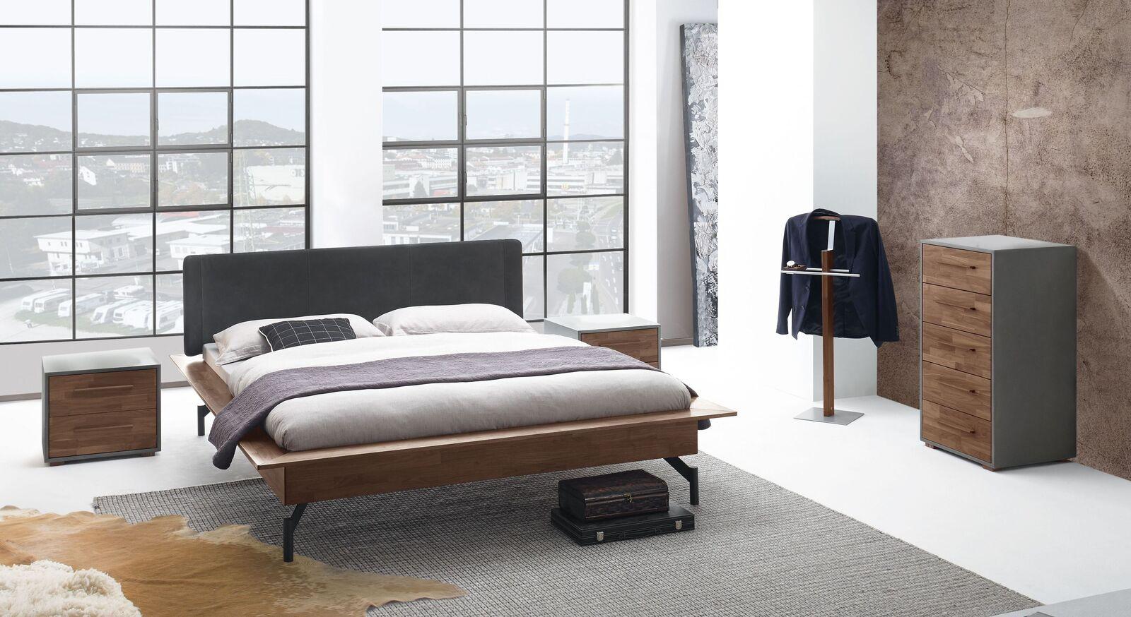 Bett Tolacon mit passenden Schlafzimmer-Möbeln