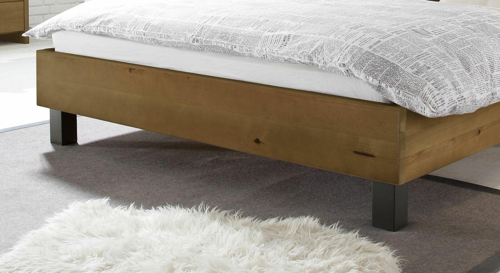 Bett Tonala mit anthrazitfarbenen Metallfüßen