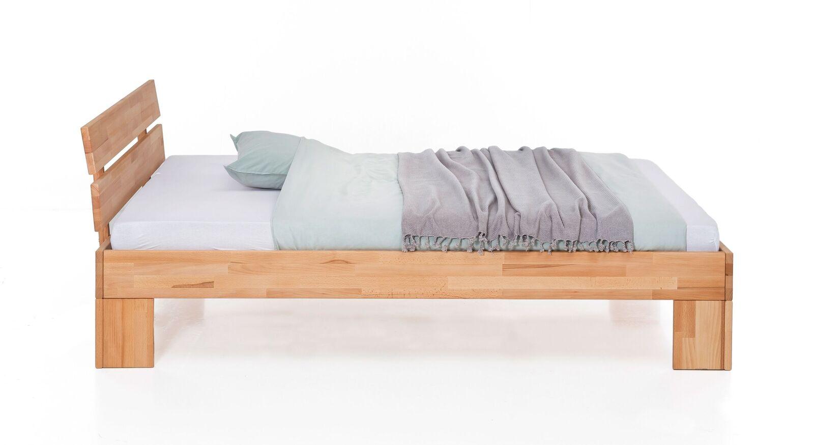 Bett Tonia aus geöltem Massivholz