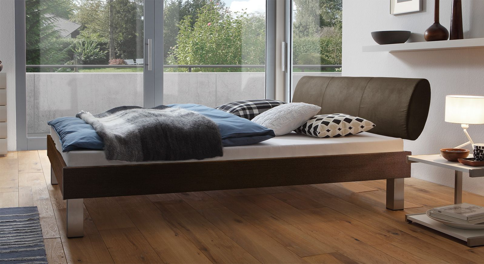 Designerbett Trani in Ferrara mit einer Fußhöhe von 20cm