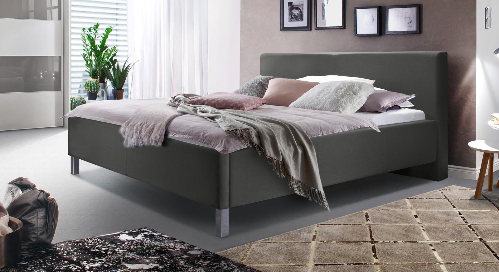 Modernes Bett Tranquilo mit hohen Füßen