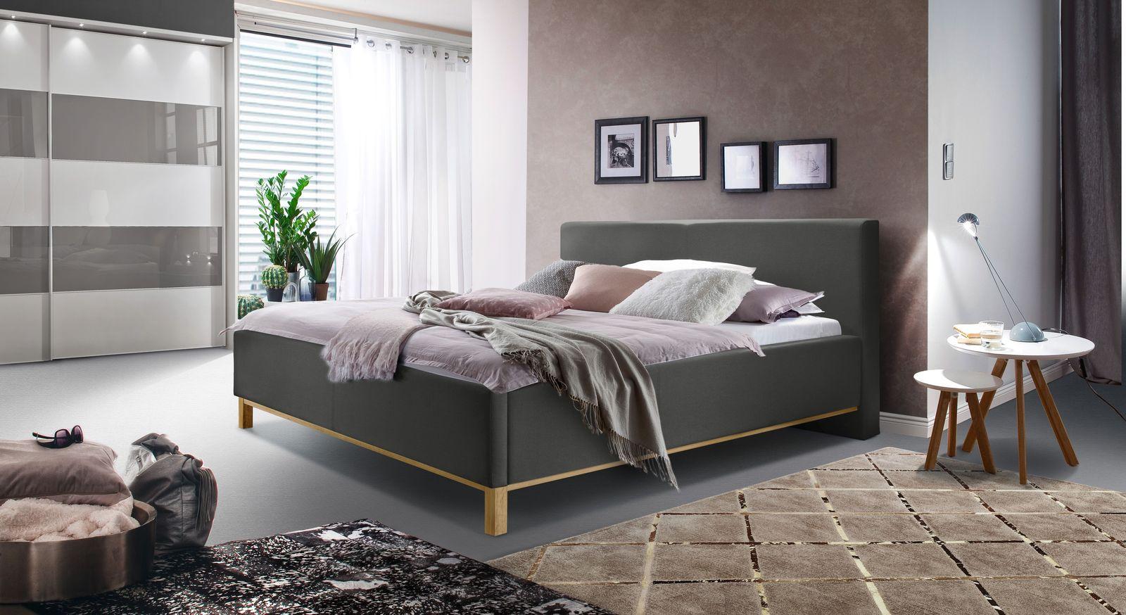 Bett Tranquilo mit passender Schlafzimmer-Ausstattung