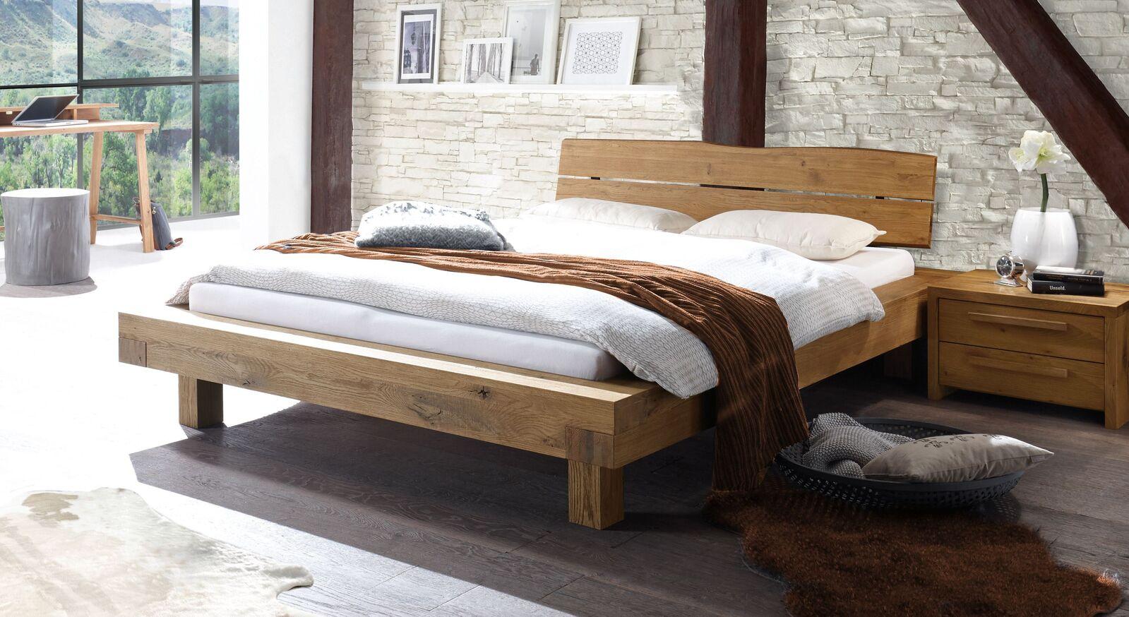 Bett Trecera aus naturfarbener Wildeiche
