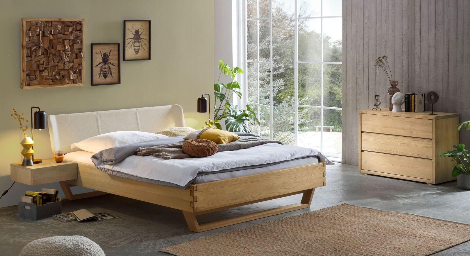 Passende Produkte für Bett Ubaldo aus Wildeiche-Massivholz