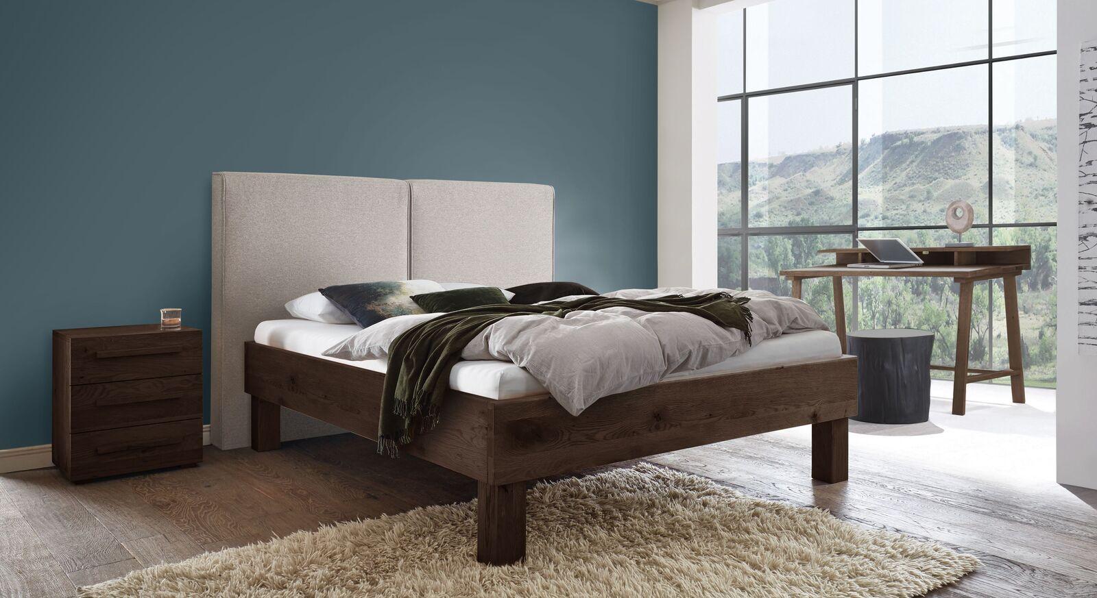Bett Urmas mit passender Schlafzimmer-Ausstattung