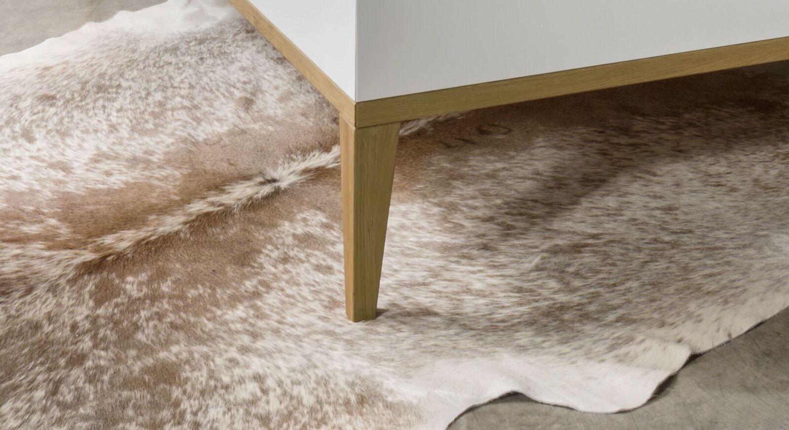 Bett Vacallo mit konischen Bettbeinen im Retrodesign