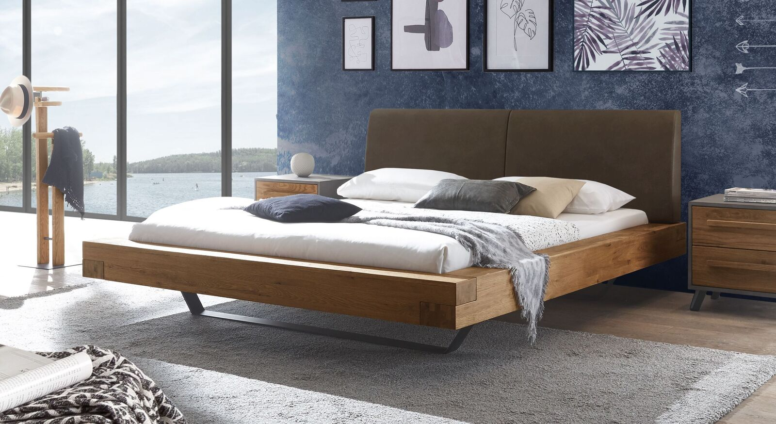 Wildeichen-Bett Valladion mit Kopfteil in Braun