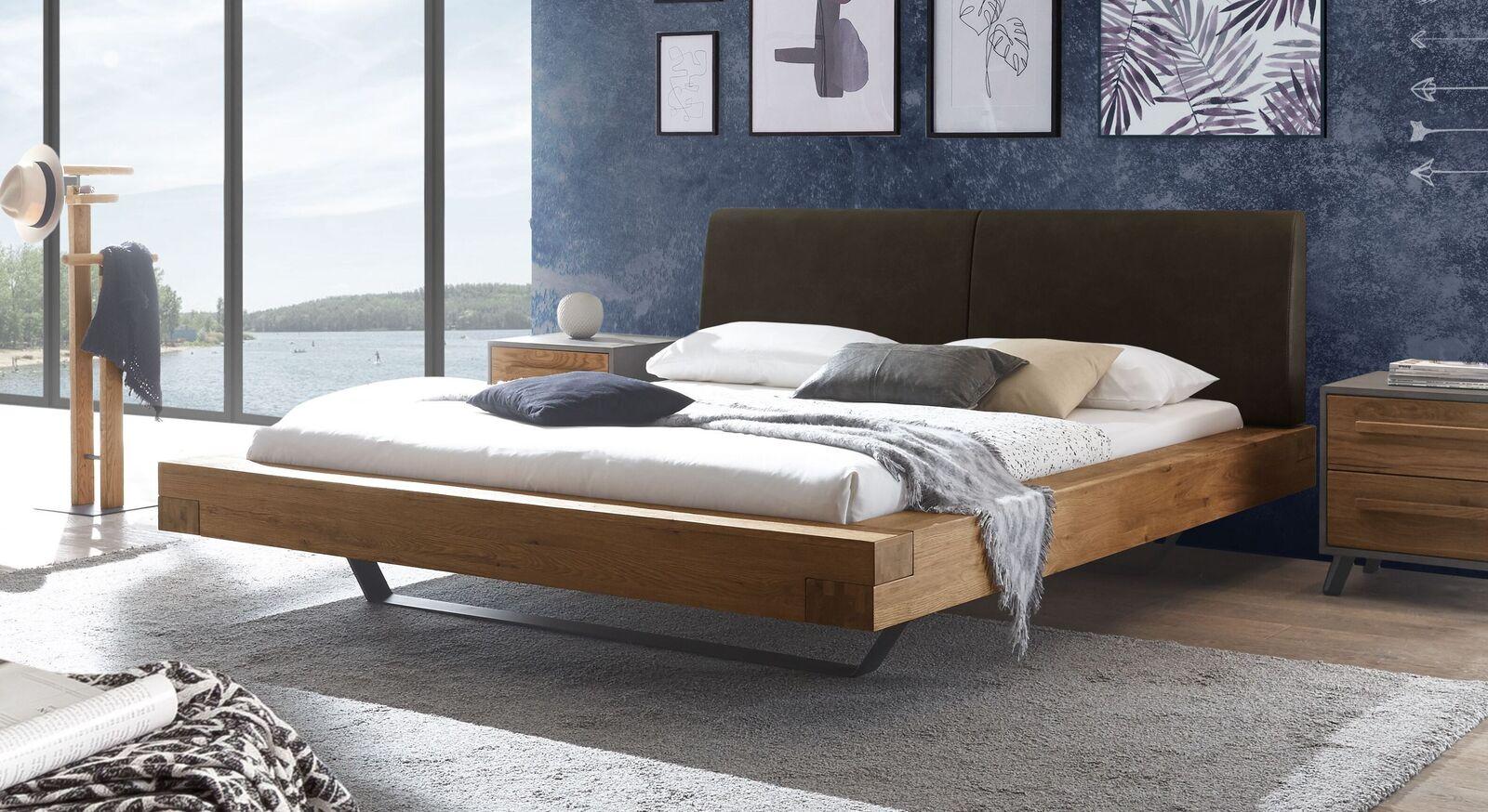 Wildeichen-Bett Valladion mit Kopfteil in Dunkelbraun