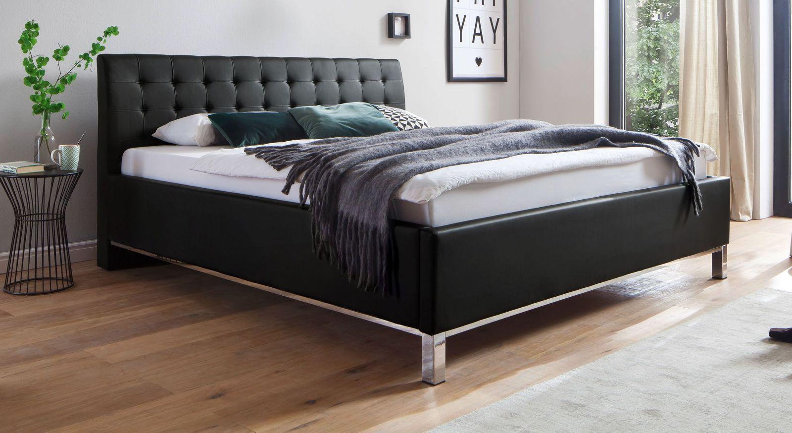 Hochwertiges Bett Varmo aus schwarzem Kunstleder