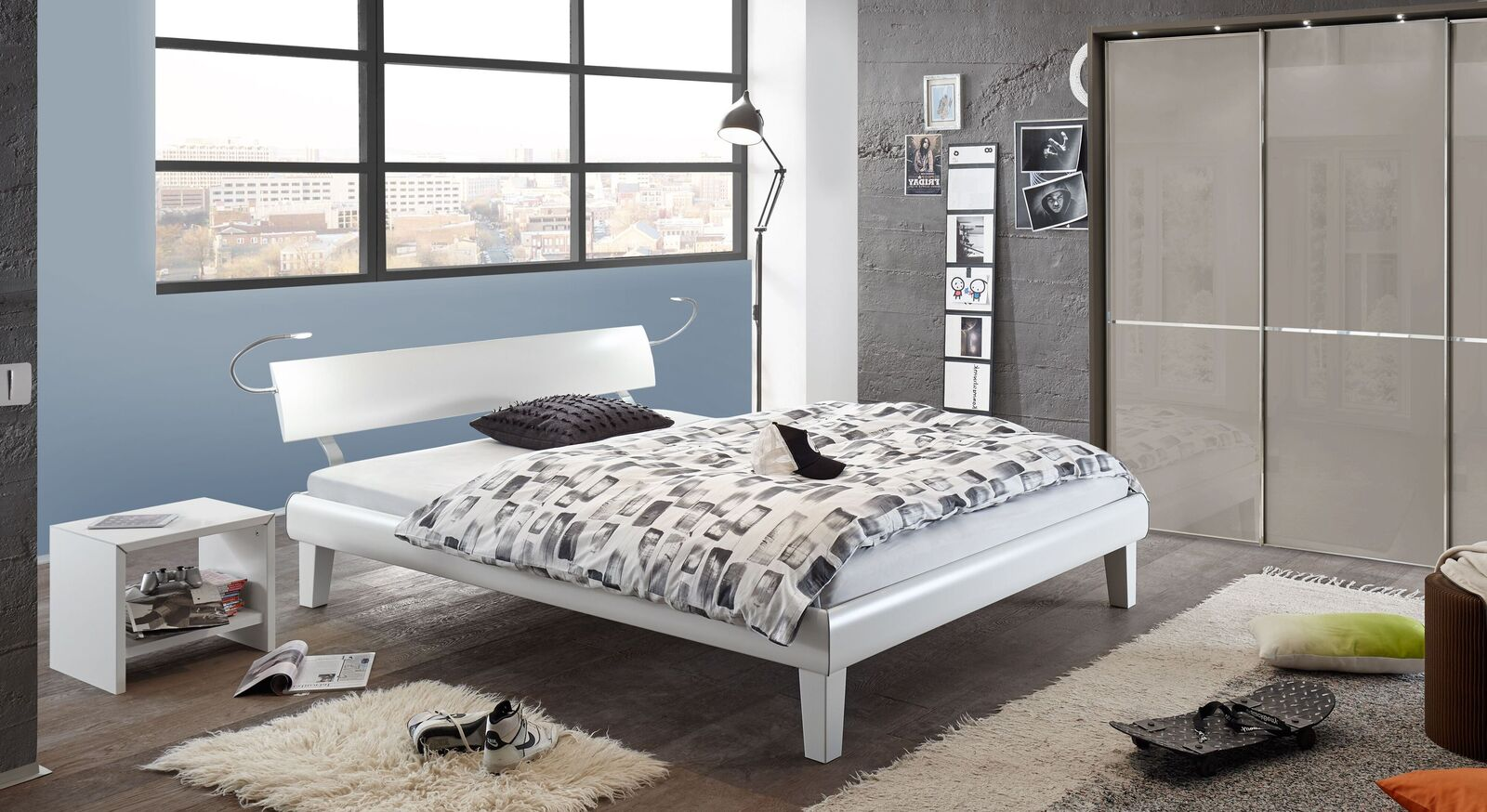Bett Whiteway mit passenden Schlafzimmermöbeln
