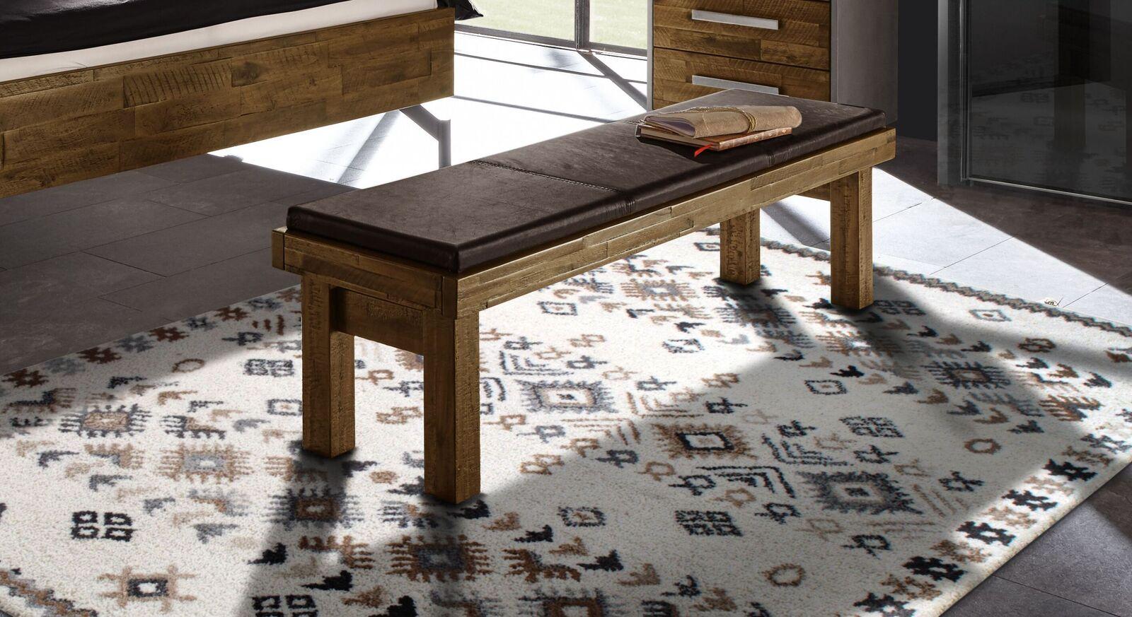 Bettbank Envigado aus braunem Akazienholz