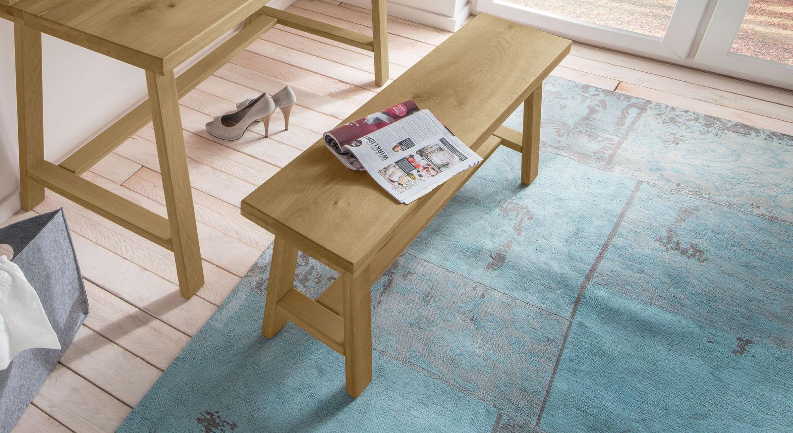 Moderne Bettbank Kärnten als stabile Sitzbank