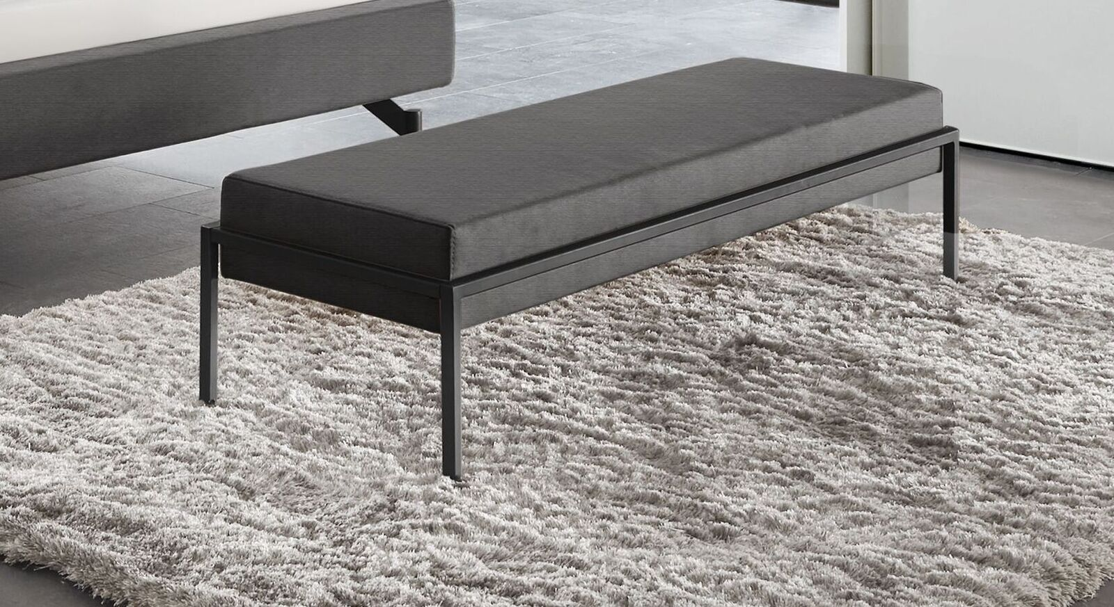Bettbank Sotello mit anthrazitfarbenem Sitzpolster