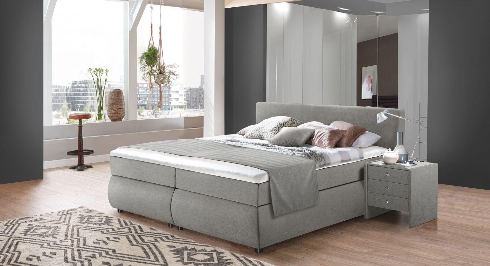 Bettkasten-Boxspringbett Highgate mit passenden Schlafzimmermöbeln