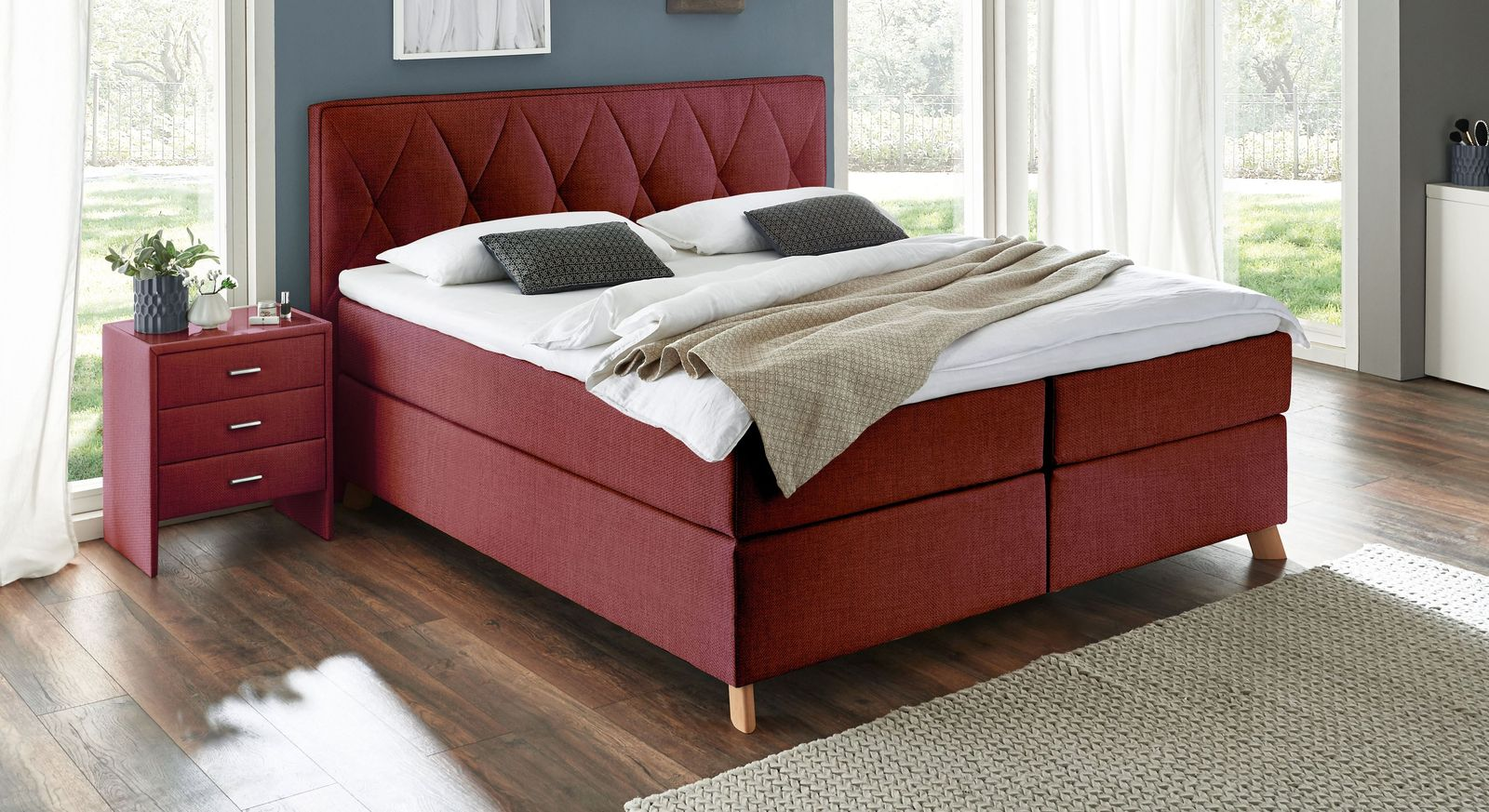 Rotes Boxspringbett Allentown in 66 cm Komforthöhe