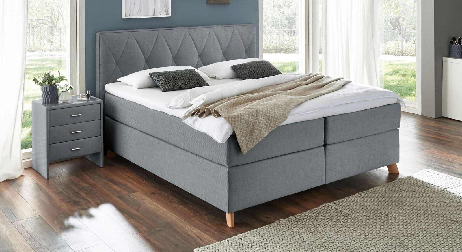 boxspringbett mit topper und gestepptem kopfteil allentown. Black Bedroom Furniture Sets. Home Design Ideas