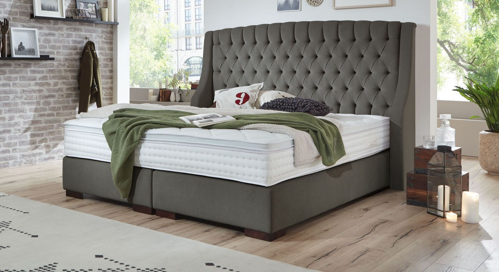 Boxspringbett Bridgeport aus anthrazitfarbenem Velours-Webstoff