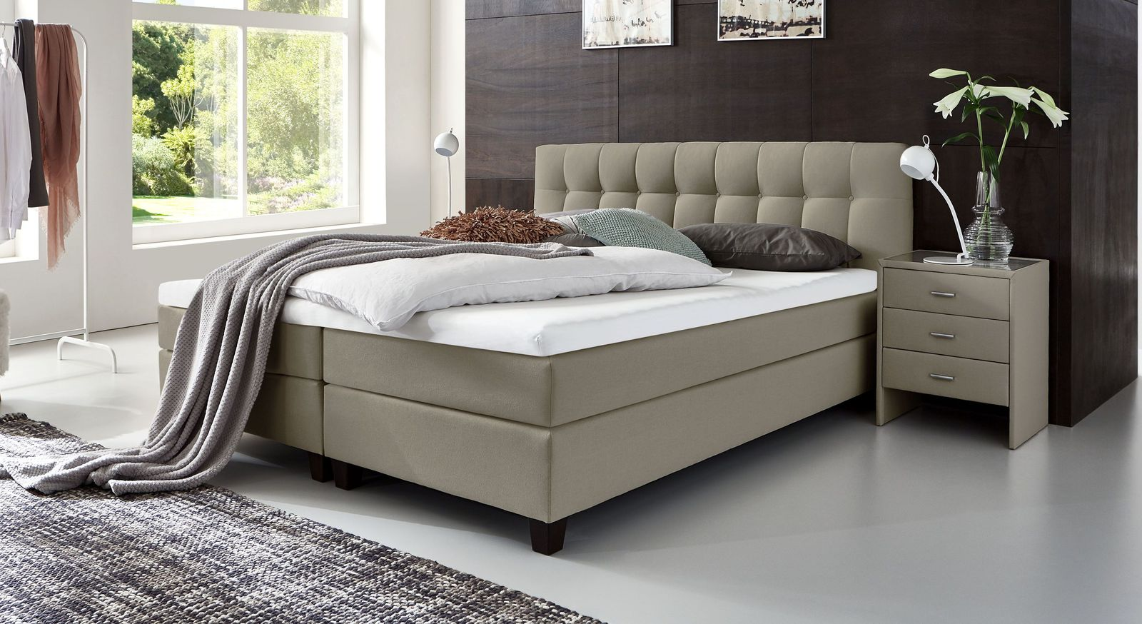 53 cm hohes Boxspringbett Luciano aus Webstoff in Taupe