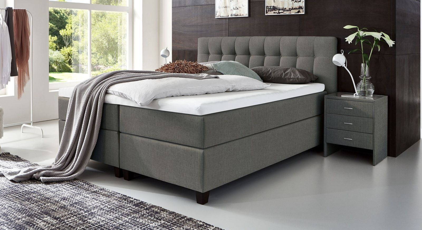 66 cm hohes Boxspringbett Luciano aus meliertem Webstoff in Grau