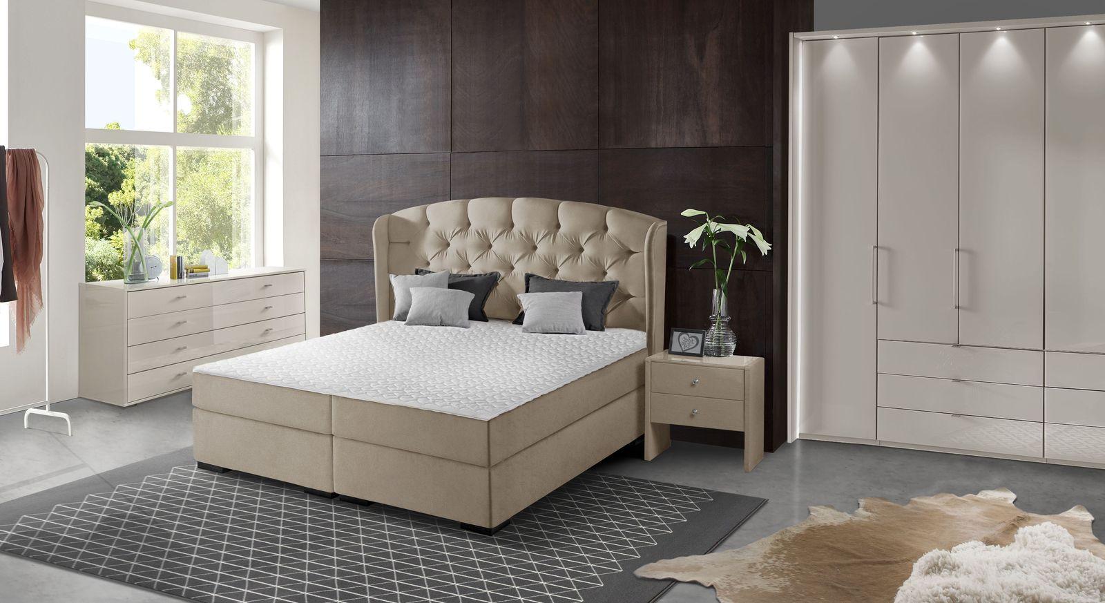Boxspringbett Nerola mit passender Schlafzimmer-Ausstattung