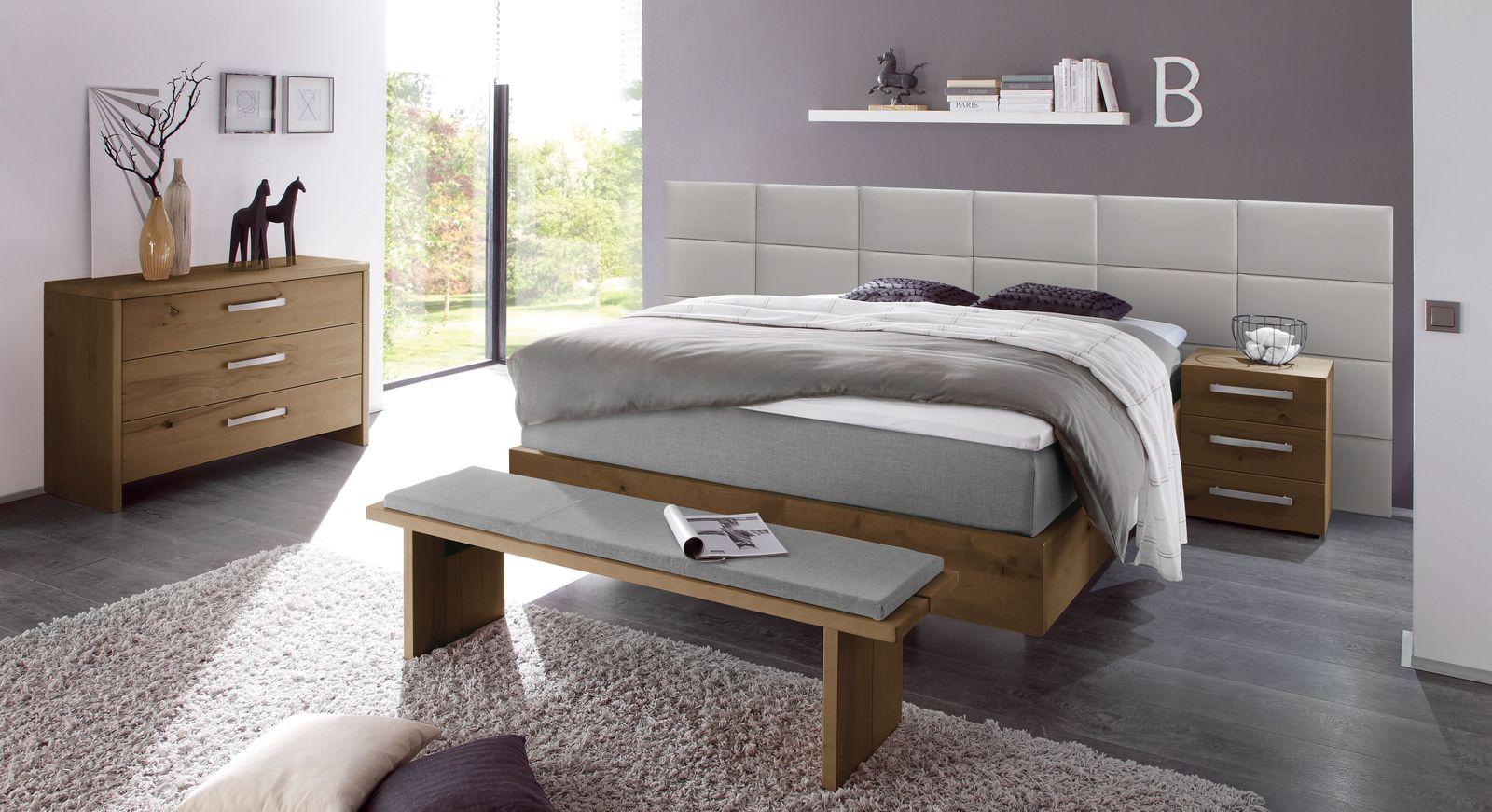Boxspringbett Rubios mit passenden Schlafzimmer-Accessoires