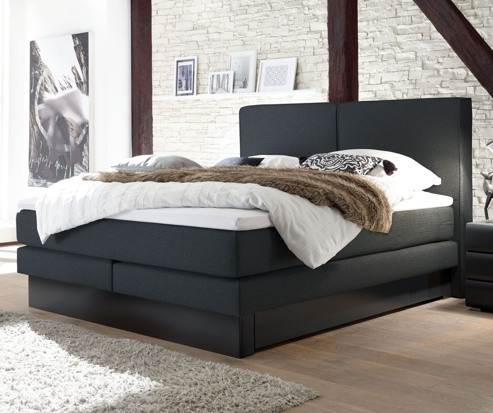 boxspringbett mit bettkasten und weichem velours bezug. Black Bedroom Furniture Sets. Home Design Ideas